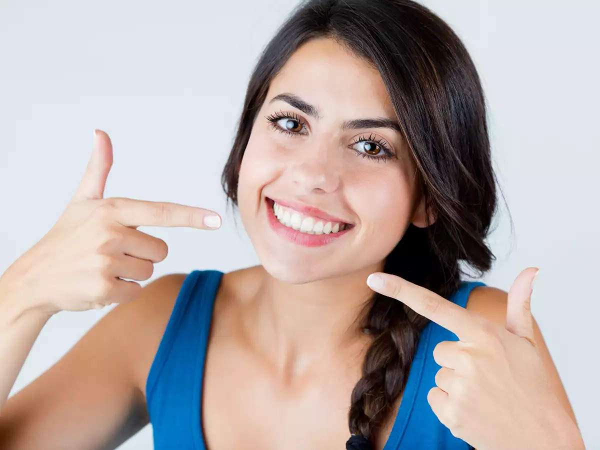 a-closer-look-at-natural-teeth-whitening-methods